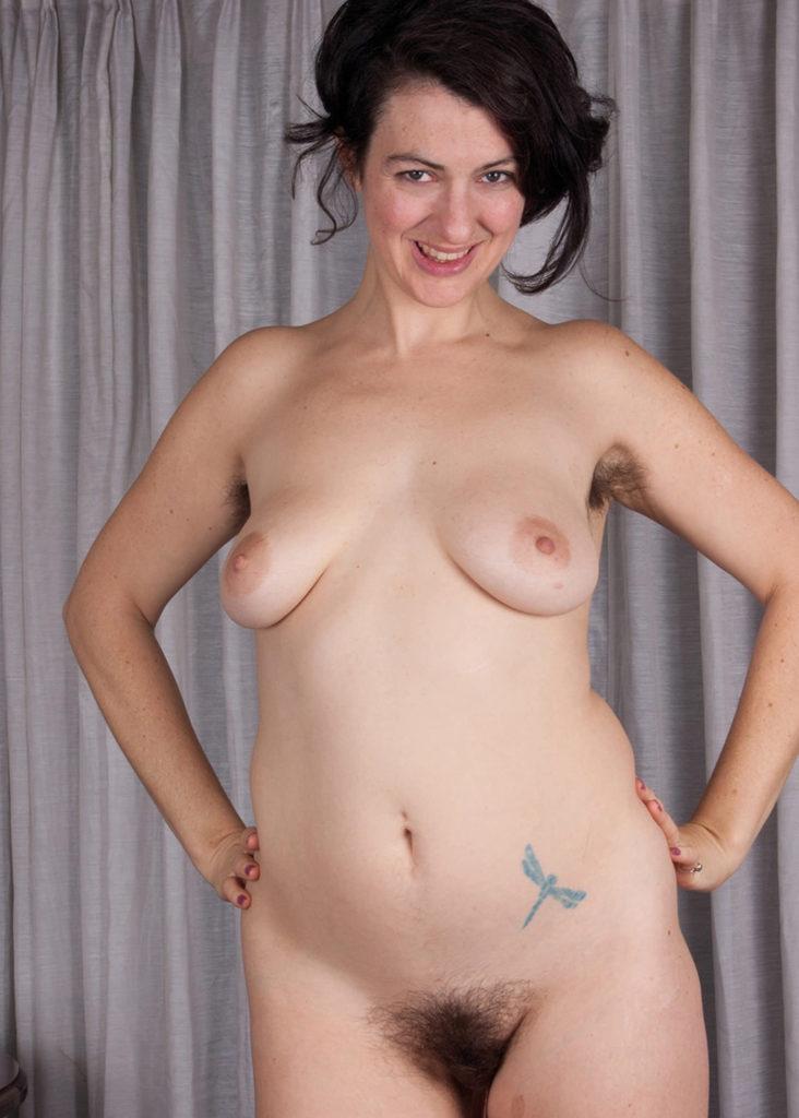 Haare  und Tattoos = sexy  Kombi